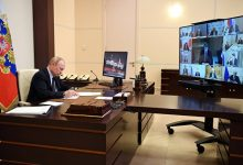 Photo of Путин пообещал проработать вопрос помощи вкладчикам банков, потерявшим средства